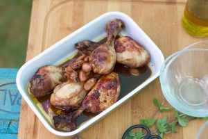 Pollo marinado con almendras